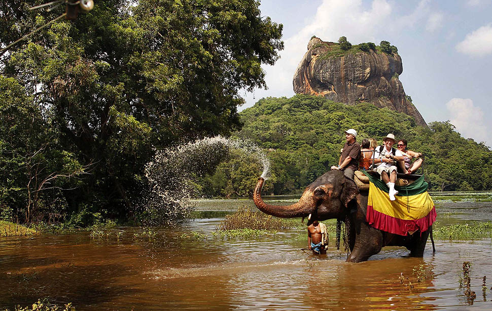 2 Weeks Itinerary Sri Lanka Sigiriya Elephant Ride