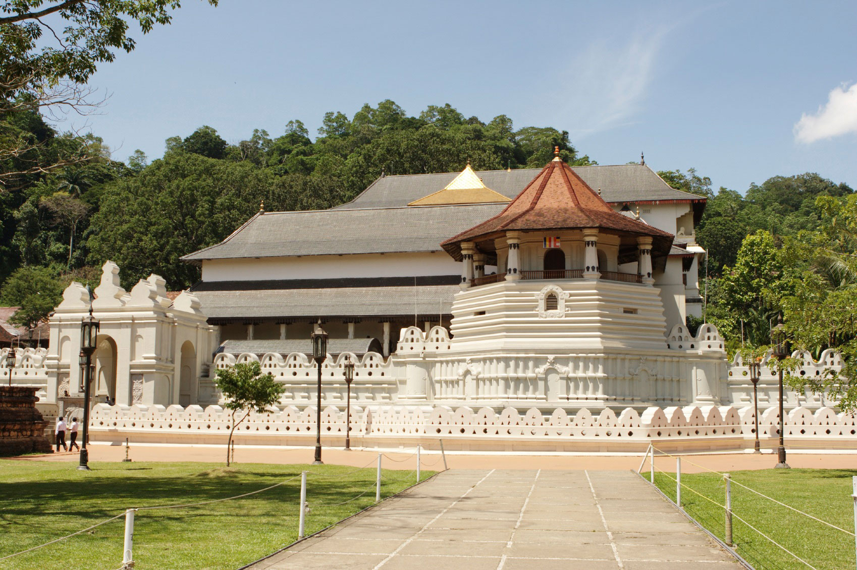 14 Days Tour Kandy Tooth Relic Temple